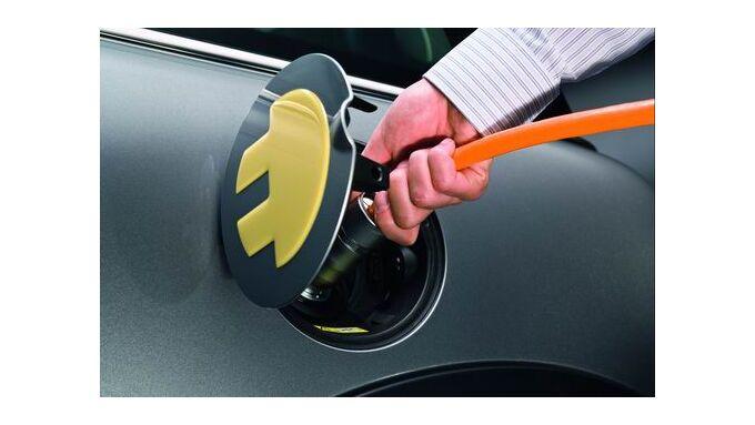 Autoindustrie braucht Hilfe bei Elektrofahrzeugen