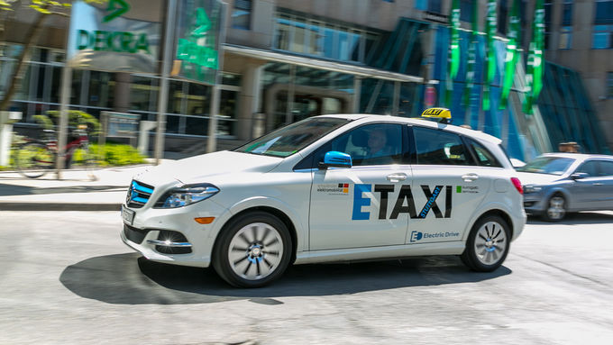 Mercedes B-Klasse Electric Drive E-Taxi Elektrotaxi