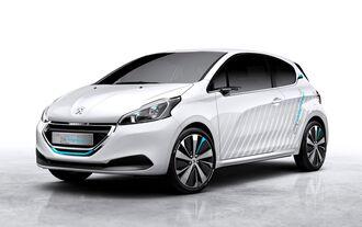 Peugeot zeigt seinen Luft-Hybriden in Paris