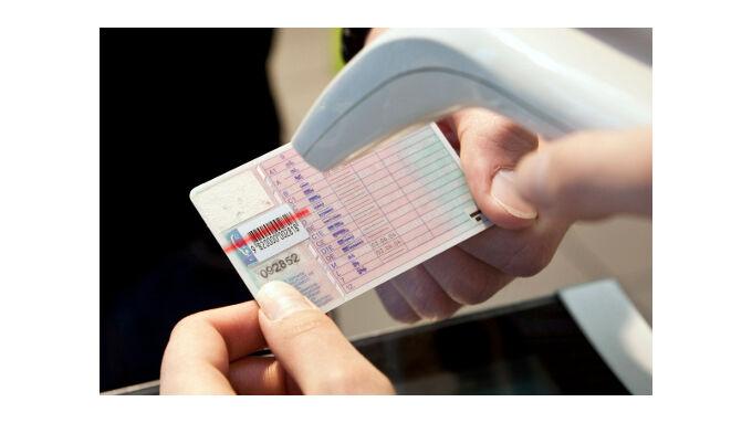 Aral bietet elektronischen Führerschein-Check