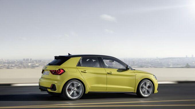 Audi A1 2018, fahrend, seitlich