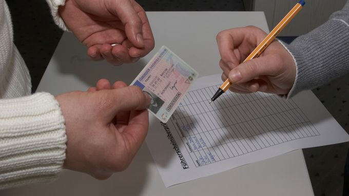 Führerscheinüberprüfung