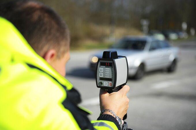 Lasergerät, Polizeikontrolle, Geschwindigkeit