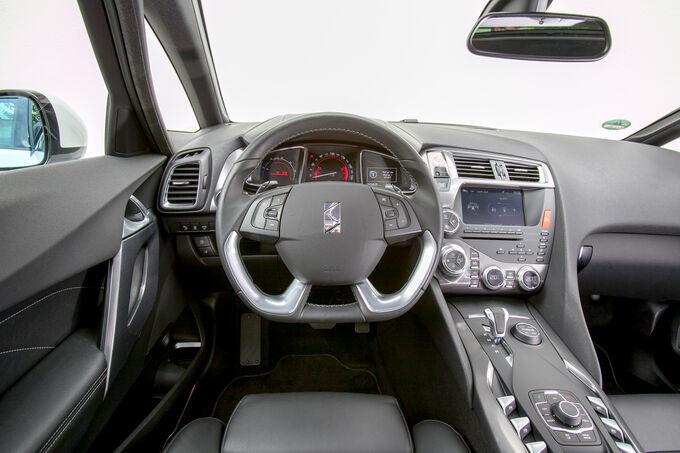 Modellcheck Citroën DS5, Gesamtes Cockpit