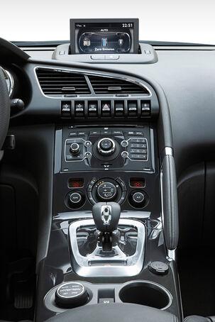 Peugeot 3008 Hybrid6, Mittelkonsole