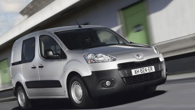 Peugeot Partner und Citroen Berlingo kommen als Stromer
