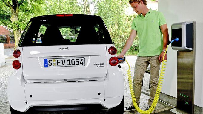 Smart, Diestwagen, E-Auto, Tanken, Ladesäule