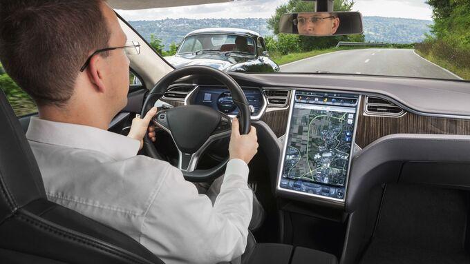 Tesla, Dekra, Verkehrssicherheitsreport, Fahrer, Assistenzsysteme
