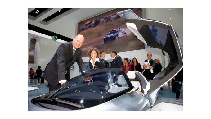 "Tiefensee: ""Aufbruch in elektromobiles Zeitalter"""